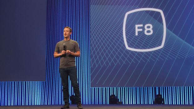 フェイスブックの開発者会議、F8でのマーク・ザッカーバーグ