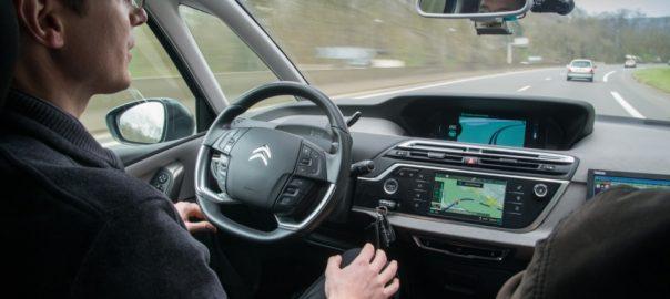 Autonomous-car-interior_6-e1460994603640