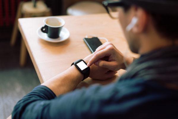 企業におけるウェアラブルデバイス使用の危険性